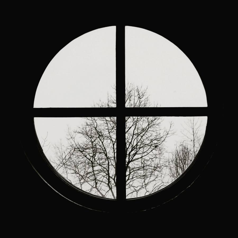 Lynda Simpson: Black and white view